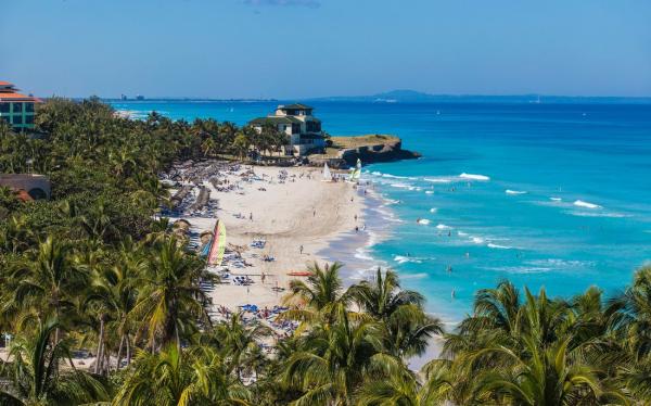 Российские туристы массово поехали на Кубу. В чем причина?