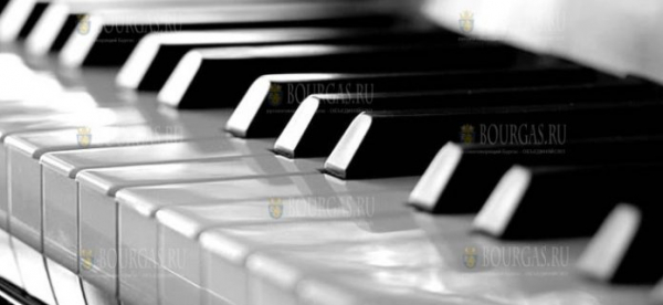 Пианисты, представляющие 9 стран — выступят с концертами в Болгарии
