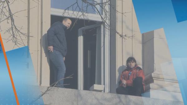 Протест медсестер: Ночь в Народном собрании и утро в его окне