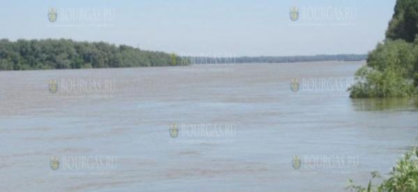 Украинский корабль сел на мель недалеко от Белене