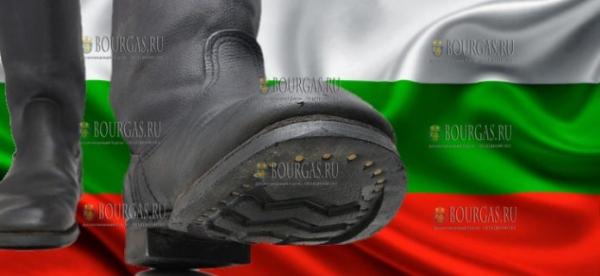 Зарплаты военных в Болгарии будут увеличены