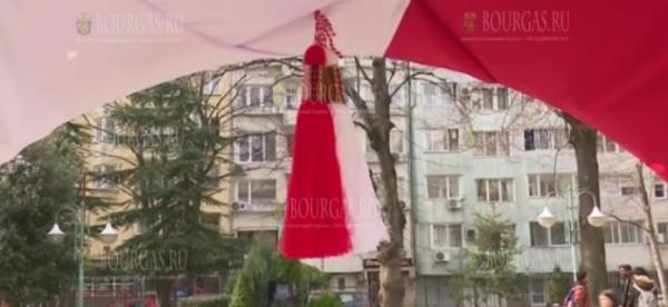 В Варне создали 20-метровую мартеницу