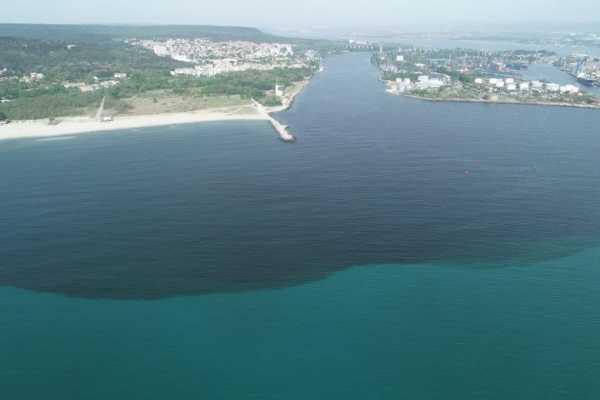 Трубу, загрязняющую стоками озеро и залив в Варне, отремонтируют