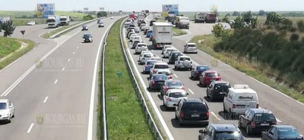 Вчера столицу Болгарии покинули десятки тысяч авто