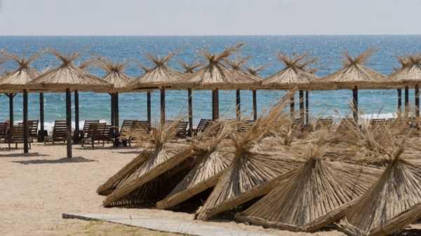 В этом году на 17 пляжах Болгарии шезлонги и зонты будут бесплатными