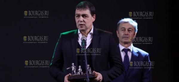 Петар Хубчев — признан лучшим футбольным наставником в Болгарии в 2018 году