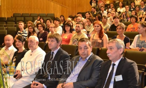 Иностранцы не против приобщиться к болгарскому языку