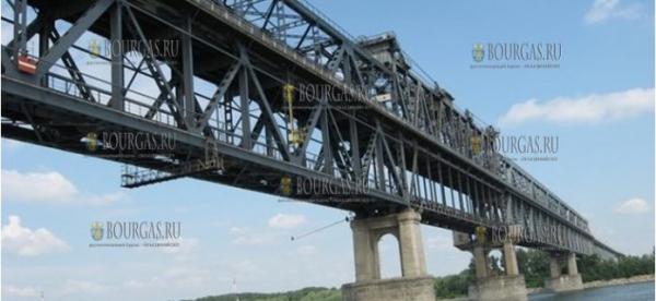 Автомобилисты ждут в очереди на пункте перехода «Дунав мост 2» свыше 10 часов