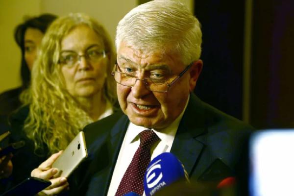 Минздрав Болгарии: Не пускать иностранцев в страну и после отмены ЧП