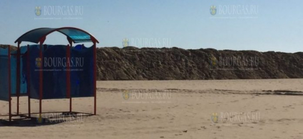 На Солнечном Берегу началось строительство песчаных дамб