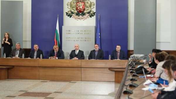 Премьер Болгарии: Мы прекрасно справились с тяжелой инфекцией