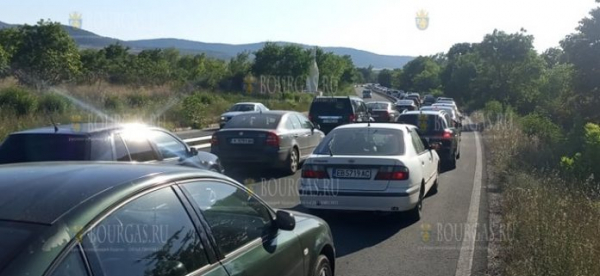 В Южном Причерноморье Болгарии сейчас кошмарные пробки