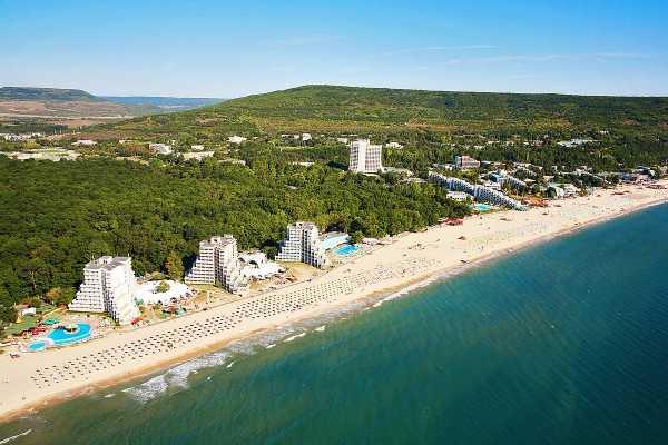 Туристам в Болгарии могут оплатить карантин и лечение