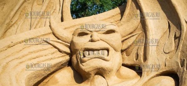 11 фестиваль песчаных скульптур в Бургасе завершает свою работу