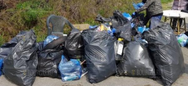 130 волонтеров убрали пляж в Аспарухово