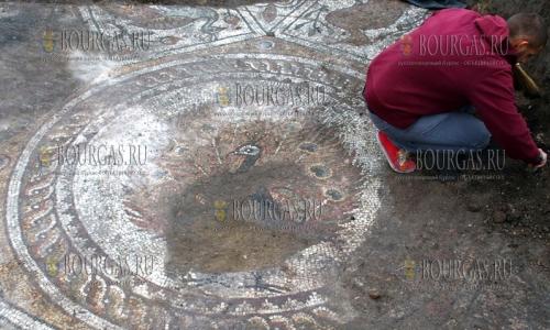 В центре Пловдива найдены ценные римские мозаики IV века