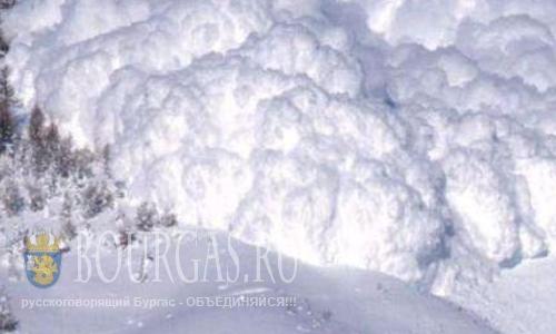 Серьезная лавинная опасность на горнолыжных курортах Болгарии сохраняется