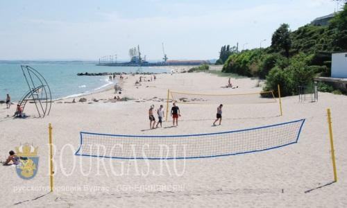 Центральный пляж Бургаса в ожидании отдыхающих и спортсменов