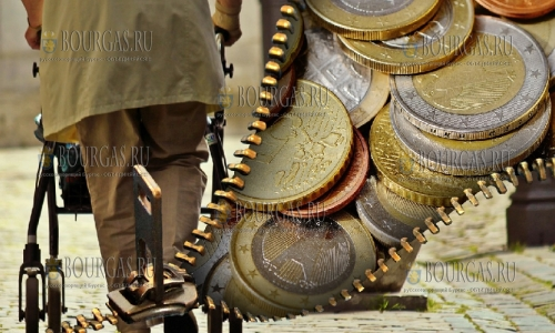 Болгары все больше денег расходуют за коммунальные услуги, питание и налоги