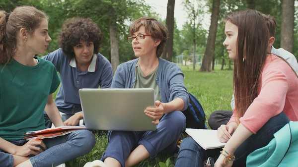 С учебного 2020 / 2021 года – две специальности по одному учебному плану в Варненском свободном университете