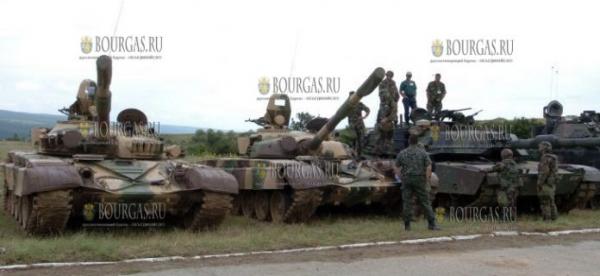 Болгарские танкисты пересаживаются на советские танки?
