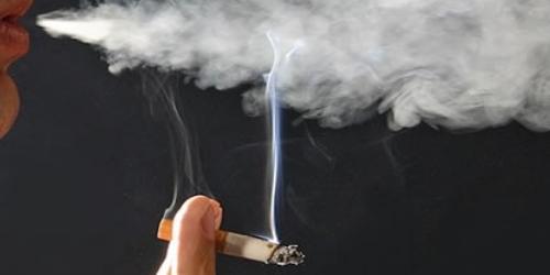 В Болгарии девушки курят больше, чем парни