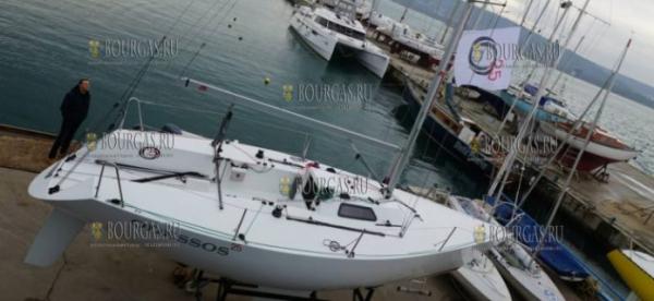 В Варне впервые построили яхту класса «Четвертьтонник»