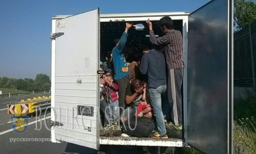 В Болгарии на АМ «Тракия» задержали нелегалов
