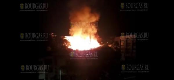 Несколько домов оказались уничтожены пожаром в Варне
