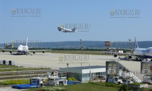 В Бургасе на днях отменили около 150 авиарейсов