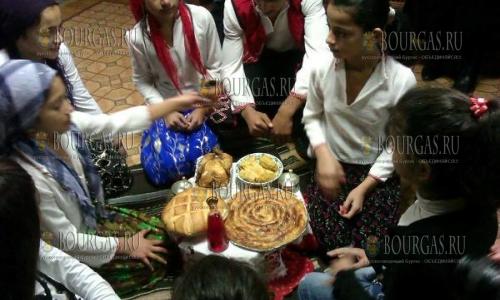 Цыгане в Болгарии празднуют Новый год