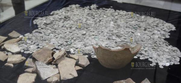 Заключенные тюрьмы в Болгарии нашли клад — тысячи серебряных монет