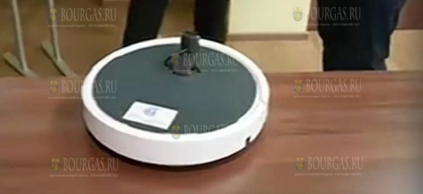 Ученые из Болгарской академии наук изобрели робота, который дезинфицирует помещения