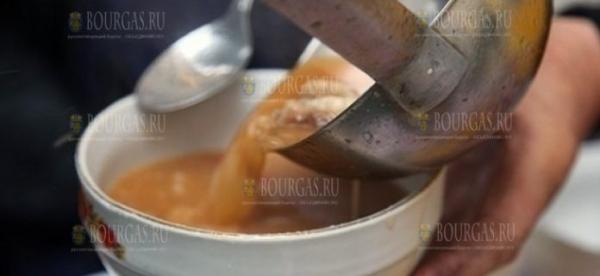 Горячий обед в Болгарии получат около 40 000 человек