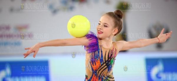 Болгарская гимнастка — Стиляна Николова, завоевала золото на ЧЕ в Киеве
