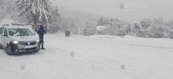 Сильный снегопад и туман на Шипке