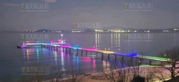 Мост в Бургасе засиял новыми красками