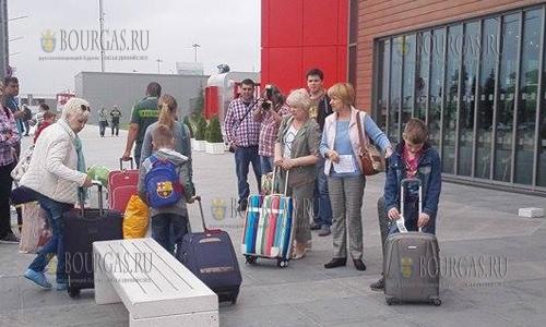 200 россиян сутки не могут вылететь из аэропорта Бургаса