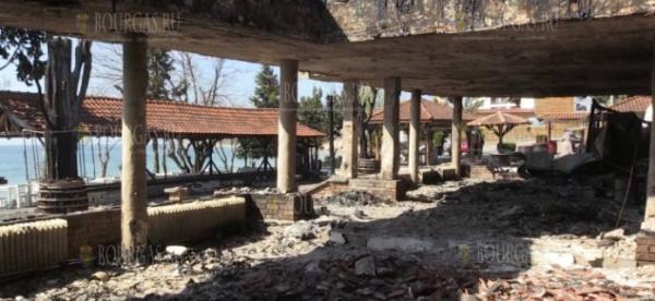 В Несебре в пожаре сгорел ресторан