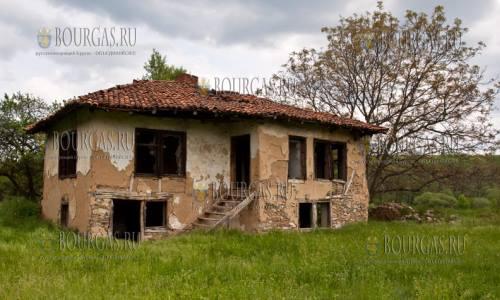 Третья жилья в Болгарии не пригодна для проживания
