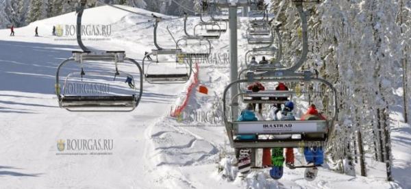 В горах Болгарии повсеместно идет снег