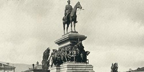Памятник Царю Освободителю вернулся в Софию