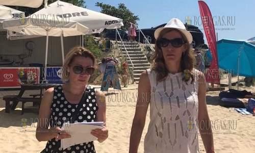 Туристам в Болгарии предлагали платить за нерабочие шезлонги и зонты