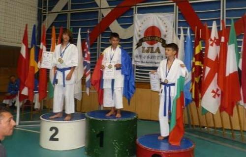 Бургские каратисты завоевали 4 золотые медали