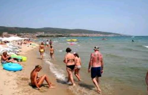 На пляжах Солнечного Берега уже нет спасателей