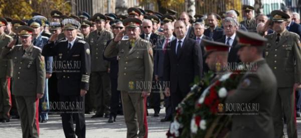 Президент Болгарии — Румен Радев, почтил память болгарских военнослужащих