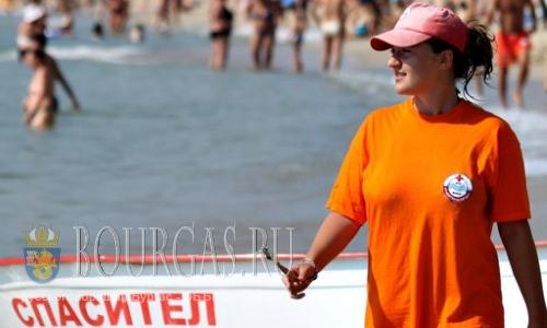 Спасатели на пляжах в Бургасе размещаются в 150 м друг от друга