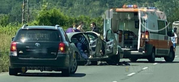5 автомобилей сегодня столкнулись на АМ Тракия в Болгарии